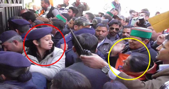 VIDEO: कांग्रेसी विधायक ने महिला पुलिसकर्मी को मारा थप्पड़, जबाव में पुलिसकर्मी ने भी जड़ा तमाचा